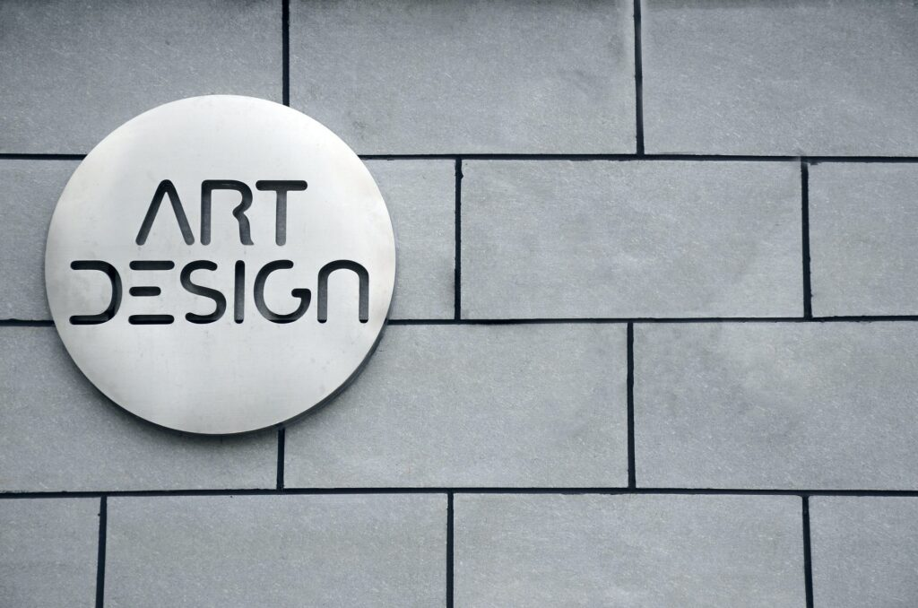 design logo after before you install wordpress